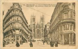 BRUXELLES - La Rue Et L'Eglise Ste-Gudule - Avenues, Boulevards