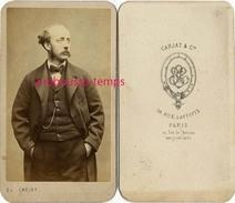 CDV Allure Désinvolte D'une Personnalité à Identifier--photog Carjat Et Cie 56 Rue Lafitte Au Rez De Chaussée à Paris - Old (before 1900)