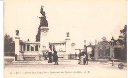 POSTAL    LYON  - FRANCIA  ENTRADA DE LA TÉTE-D'OR Y MONUMENTO A LOS NIÑOS DEL RODANO - Lyon