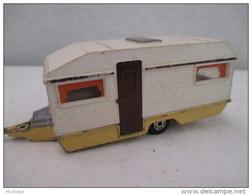 CARAVANE Miniature MATCHBOX  SUPER KING      PEINTURE D'ORIGINE BLANC ET JAUNE - Jouets Anciens