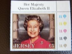 1996  5£ Her Majesty Queen Elisabeth II ** Mint NH - Jersey