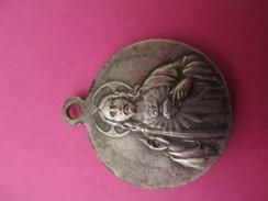 Petite Médaille Religieuse Ancienne /Coeur Du Christ/ St Joseph Et Jésus ? /Début XXéme Siécle     CAN443 - Religión & Esoterismo