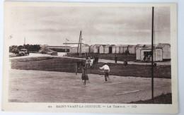 CPA Rare 50 Saint Vaast La Hougue Le Tennis Animé Personnages - Saint Vaast La Hougue