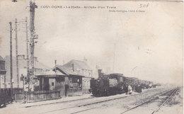 COULOGNE  La Halte  Arrivée D'un Train  ( Plan Animé Dont TRAIN ) - France