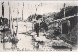 D 238  CP     EN ARGONNE GUERRE 1914 1918 LES CONSTRUCTIONS DE NOS POILUS - Champagne-Ardenne