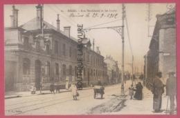 51 - REIMS--Rue Neufchatel Et Les Ecoles--animé - Reims