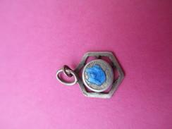 Mini Médaille Religieuse Ancienne /Vierge Marie /émaillée Bleu/Début XXéme Siécle    CAN453 - Religión & Esoterismo