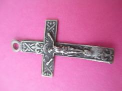 Petite Croix Pendentif/ Chapelet ? / Argent ? Fin  XIXéme Siécle    CAN456 - Religion & Esotericism