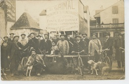 CHASSE - TARBES (65)- Belle Carte Photo Chasseurs Posant Avec Chiens Fusil & Sanglier Tué En 1915 -AMERICAN PHOTO TARBES - Jagd