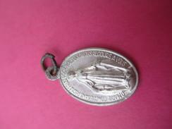 Mini Médaille Religieuse Ancienne /Vierge Marie Et Monogramme/  Début  XXéme Siécle    CAN461 - Religion & Esotericism