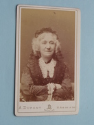 """Femme / Woman / Vrouw / Frau """" Te Identificeren - Anno 19?? ( CDV Photo A. Dupont Bruxelles ) ! - Anonymous Persons"""