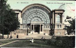 BRUXELLES (1040) : Façade Du Musée Des Arts Décoratifs Et Industriels, Dans Le Parc Du Cinquantenaire. CPA. - Etterbeek