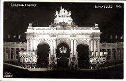 BRUXELLES (1000) - Patriotisme: L'arcade Du Cinquantenaire Décorée Et Illuminée Pour Les Fêtes Du Centenaire (1930). CPA - Brussel Bij Nacht