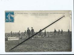 CPA  - Dans L'Aisne Dévastée- Le Cimetière Du Chemin Des Dames Près Cerny En Laonnois -A La Recherche Des Tombes Isolées - Frankreich