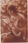 Femme - 1927 - (M.C. - Paris 204)   - (France) - Postkaarten