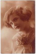 Femme - 1927 - (Pisa 202)   - (France) - Postkaarten