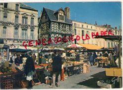 17 - LA ROCHELLE - VIEILLES MAISONS  PLACE DU MARCHE - La Rochelle