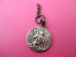 Médaille Religieuse Ancienne /Saint Martin Coupant Son Manteau/1903   CAN487 - Godsdienst & Esoterisme