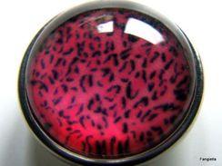 1 Bouton Pression Chunk à Clipser Rose Fuchsia Piqueté De Noir 18mm Pour Trou De 5/6mm  Bouton Pression De Belle Qualité - Perles