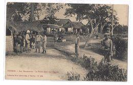 CPA Indochine Cochinchine Vietnam Viet Nam Tonkin Aux Manœuvres La Halte Dans Une Pagode Non Voyagée - Viêt-Nam
