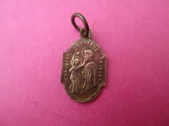 Mini Médaille Religieuse Ancienne / François D'Assise / Antoine De Padoue/ Or ? /XIXéme     CAN495 - Religion & Esotericism