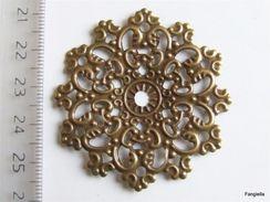 3 Estampe Couleur Laiton Bronze 4,7 Centimètres  Indispensable à La Création, Vous Pourrez Les Utiliser Pour Mettre En - Perles