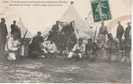 Biville-L'Infanterie Coloniale Au Camp De Biville Devant La Tente-Nettoyage Des Armes. - Other Municipalities