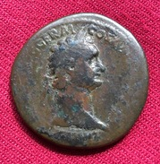 DOMITIANUS, AE SESTERTIUS, 24.45 Gr. I C.A.D, EXCELLENT CHINA PATINA, Rev. Domitianus Crowned From Victory (30) - 2. The Flavians (69 AD Tot 96 AD)