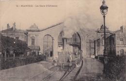 G30- 44) NANTES  - LA GARE D ' ORLEANS  - (TRAIN VAPEUR - LOCOMOTIVE - - 2 SCANS) - Nantes