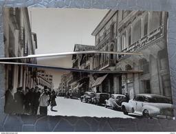 TANGER LA RUE DU STATUT MAI 1953 - Tanger