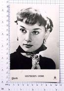 AUDREY HEPBURN - Vintage PHOTO POSTCARD (156-F) - Schauspieler