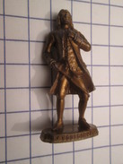 MOK1112 : Figurine Publicitaire Années 50/60 Plastique Dur LA MAISON DU CAFE : NAVIGATEUR LA BOURDONNAIS Bzzz Bzzz - Figurines