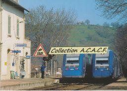 Croisement Autorails X 72633 Et X 72686, En Gare De Bagnac-sur-Célé (46) - - Other Municipalities