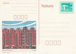 DP 91 ** Bauwerke Berlin Palast Der Republik -  Rostock, Fünf-Giebel-Haus - [6] Oost-Duitsland