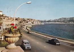 Marseille. La Nouvelle Corniche. Automobiles Citroën DS,  Renault 4. - Endoume, Roucas, Corniche, Spiaggia