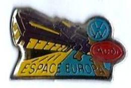 VOLKSWAGEN - VW7 - VW-AUDI - ESPACE EUROPA - Verso : LA BOITE A PIN'S - Volkswagen