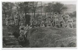 CPA  1914 1918 / CARTE PHOTO TRANCHEES SOLDATS - Guerre 1914-18
