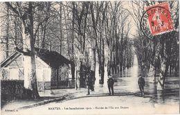 MANTES --Les Inondations De 1910-Entrée De L'ile Aux Dames - Mantes La Jolie