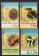 Papouasie Papua New Guinea 2005 Yvert 1051-1054 *** MNH Cote 10,00 Euro Flore Champignons Paddestoelen - Papouasie-Nouvelle-Guinée