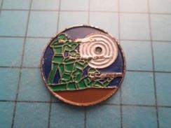 Sp15B Pin's Pins : Rare Et Belle Qualité : TIR DEBOUT COUCHE A GENOUX CIBLE ça Flingue à Tout Va   ; Marquage Au Dos : - - Pin