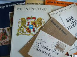 Lot Diverse Boeken En Tijdschriften - Philatélie Et Histoire Postale