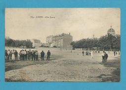 CPA 334 - Joueurs De Boules Boulistes Clos Jouve à LYON 69 - Autres