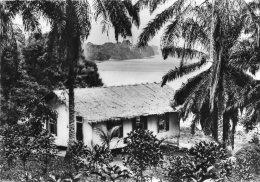 GABON - Temple Au Bord Du Fleuve - Gabon