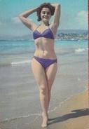 Pin-Up - Années 50/ Year 50 - Femme / Nue Girl / Woman-Frau /Erotic-Erotik - Sonja Fusio - Pin-Ups