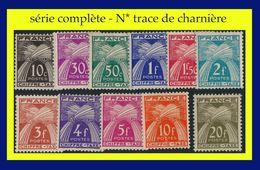 TAXE N° 67 à 77 - GERBES DE BLÉ : CHIFFRE-TAXE 1943-46 - N* TRACE DE CHARNIÈRE - 1859-1955 Mint/hinged