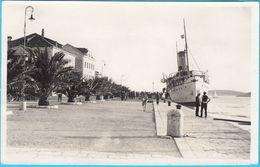 HVAR - Ship In Port  ( Croatia ) * REAL PHOTO * Travelled 1932. To Zagreb - Croatia
