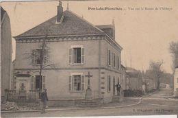 70- PONT DE PLANCHES, Vue Sur La Route De L'abbaye. Bon état. - Autres Communes