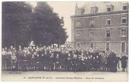 Cpa Bapaume - Institution St-Jean-Baptiste - Cour De Récréation - Bapaume