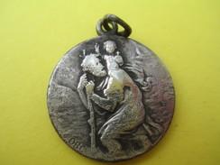 Médaille Religieuse Ancienne/Saint Christophe/Regardes Saint Christophe Puis Vas-t-en Rassuré /Début XXéme Siécle CAN539 - Religion & Esotérisme