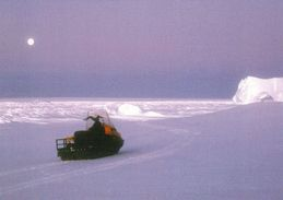 1 AK Antarktis Atarctica * Ski Doo In Der Atka Bay * - Ansichtskarten